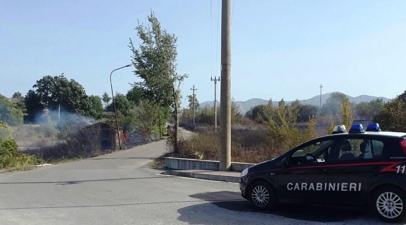 carabinieri cc 112 giorno pattuglia gazzella incendio terreno rogo tossico