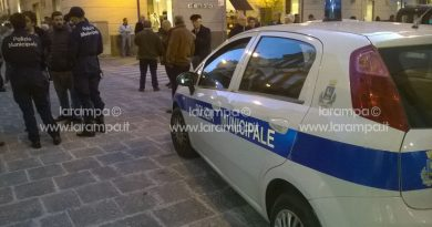 aversa polizia municipale vigili urbani polizia locale sera notte generica pattuglia (2)