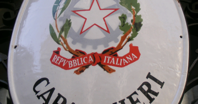 caserma-carabinieri-stemma