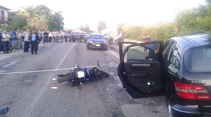 carabinieri cc 112 incidente stradale moto auto (2)