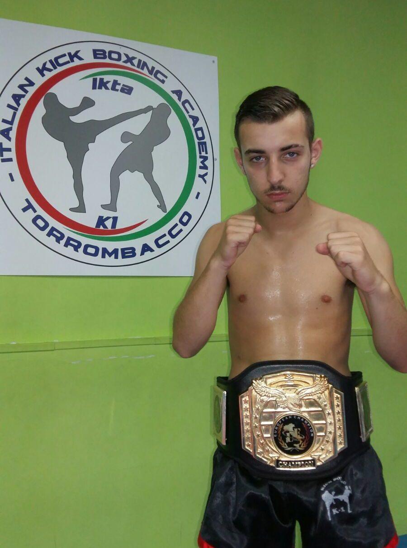 Raffaele Masuccio (con cintura)