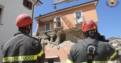 amatrice terremoto vigili del fuoco vvff pompieri 115_26082016 (25)