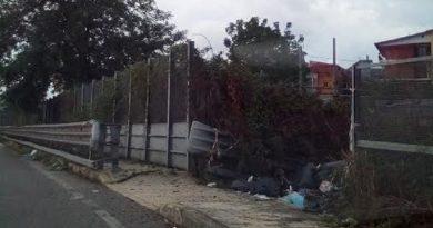 (FOTO) Aversa. Segnalazione del cittadino, problemi in via delle Mimose