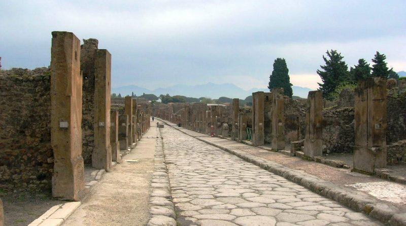 scavi-archeologici-di-pompei-via_dellabbondanza