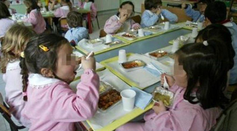 bambini-bambine-mensa-scuola