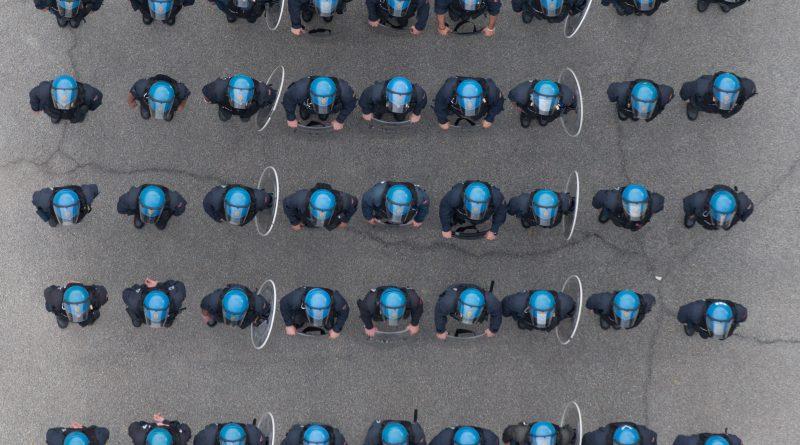 Milano, reparti mobili della Polizia di Stato 2015-04-29 © Massimo Sestini