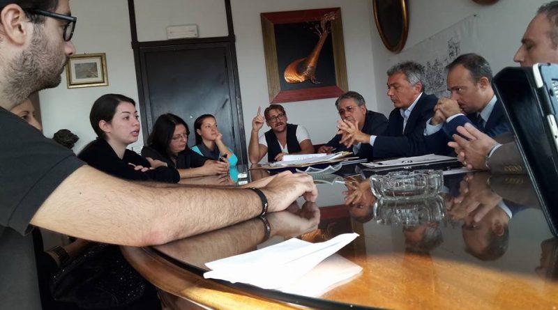 incontro_m5s_genitori_commissario_portici