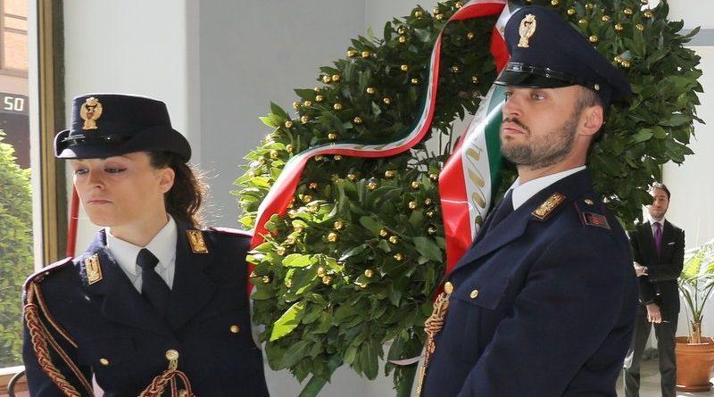 corona-alloro-polizia