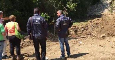 Rifiuti: GdF sequestra 3 aree con scarti industriali nel Napoletano