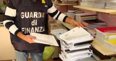 guardia-di-finanza-gdf-fiamme-gialle-117-copisteria-testi-universitari