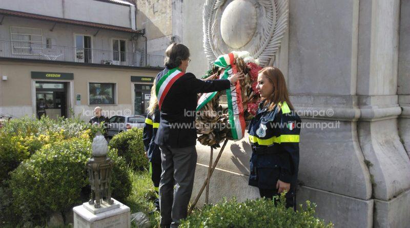 aversa-4novembre-celebrazione-piazza-municipio-de-cristofaro