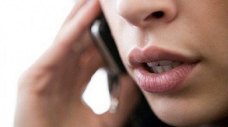ragazza-telefonata
