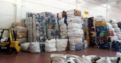 Rivendevano abiti raccolti in Friuli per fini umanitari, 4 denunce