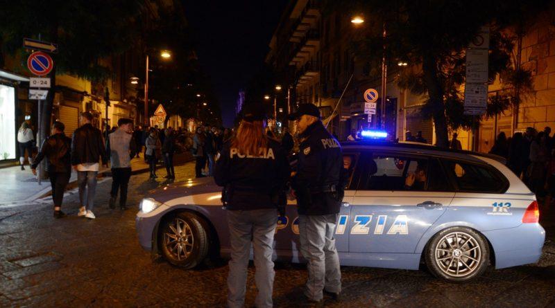 Spari durante una festa a Napoli, ferite due ragazze