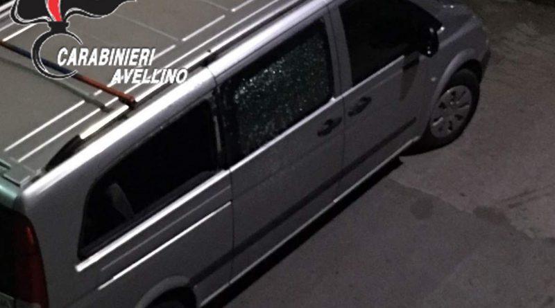 Montoro. Colpi di fucile contro un furgone: 25enne denunciato