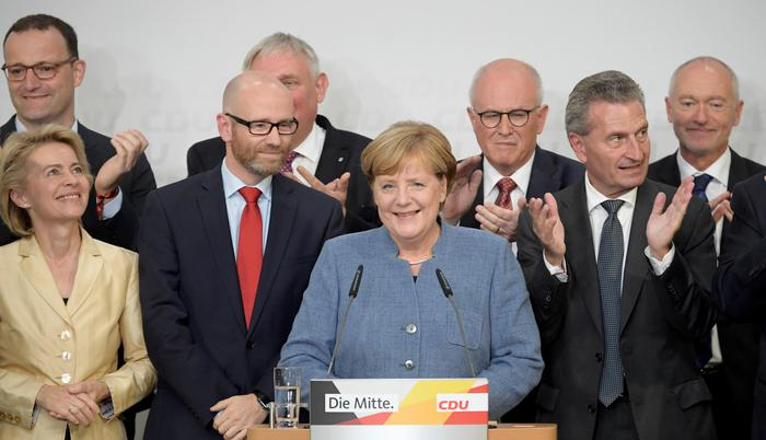 Elezioni Germania. Vince Merkel, ma arretra. Crolla l'Spd. L'Afd terzo partito