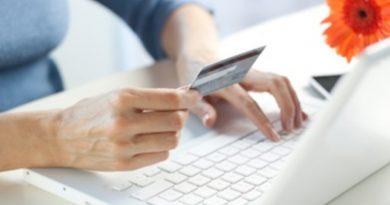 E-commerce, si riducono gli acquisti a fine mese